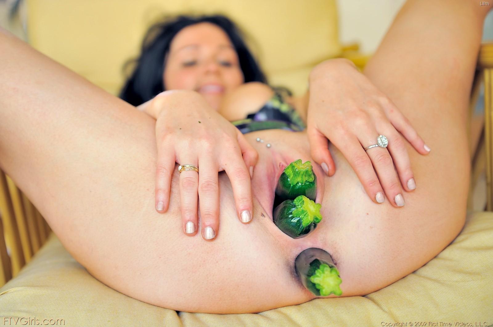 фистинг фруктами